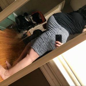 MOTHERHOOD maternity stripped curve hugging skirt